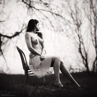 outdoor art nude photography by Fabien Queloz