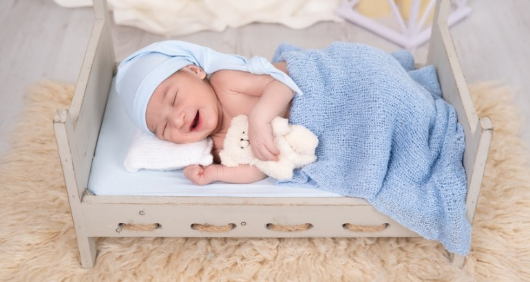 Quali sono le posizioni in un servizio fotografico new born?