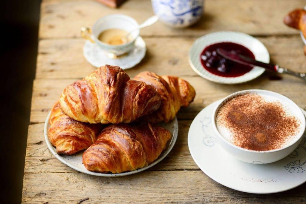 colazione-1300x867