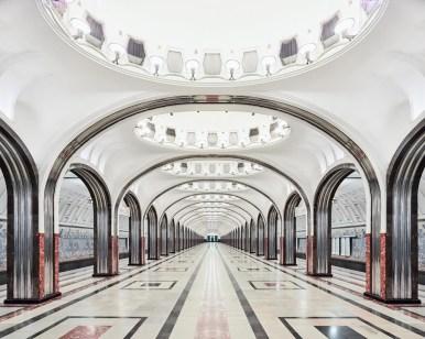 Os palácios subterrâneos do metrô de Moscou