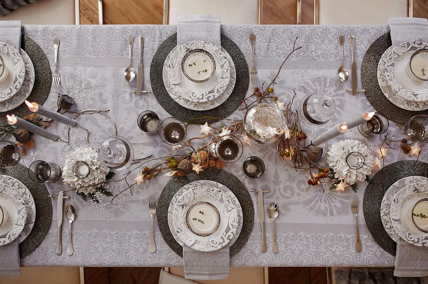 Mesa branca de Natal