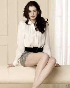 """Anne Hathaway goes """"Interstellar"""""""