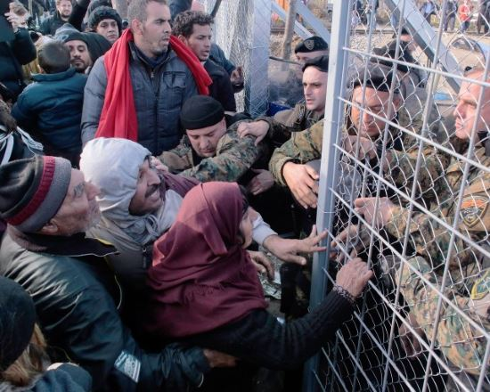 Macedonian Police and Migrants from Greece
