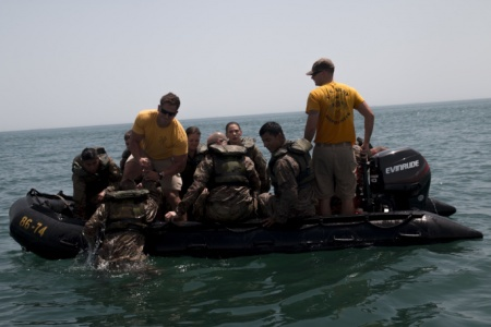 Army soldiers helocast: rafting to the target