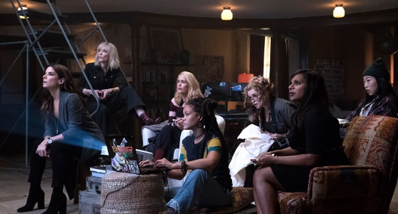 "Women crooks at home in ""Oceans 8."""
