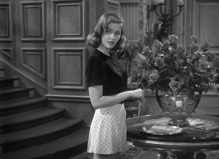 Martha Vickers as Carmen Sherwood