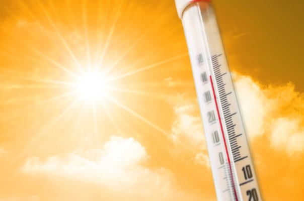 Summer sun and thermometer - dreamstime_s_120477670