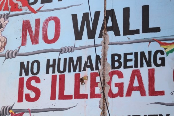 Sign - No Wall - No Illegal - dreamstime_93880341