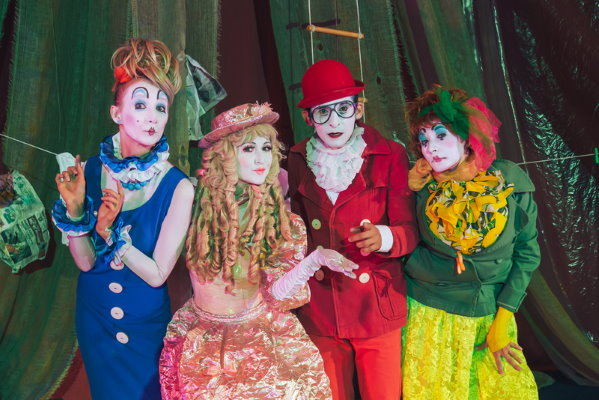 Group of Clowns - Dreamstime-141583909