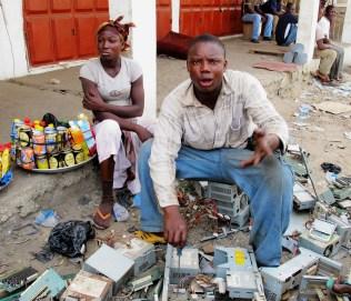 Récupération et vente de déchets informatiques à Accra (Ghana, 2009)