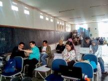 Para peserta pelatihan mencoba membuat motif batik menggunakan software jBatik
