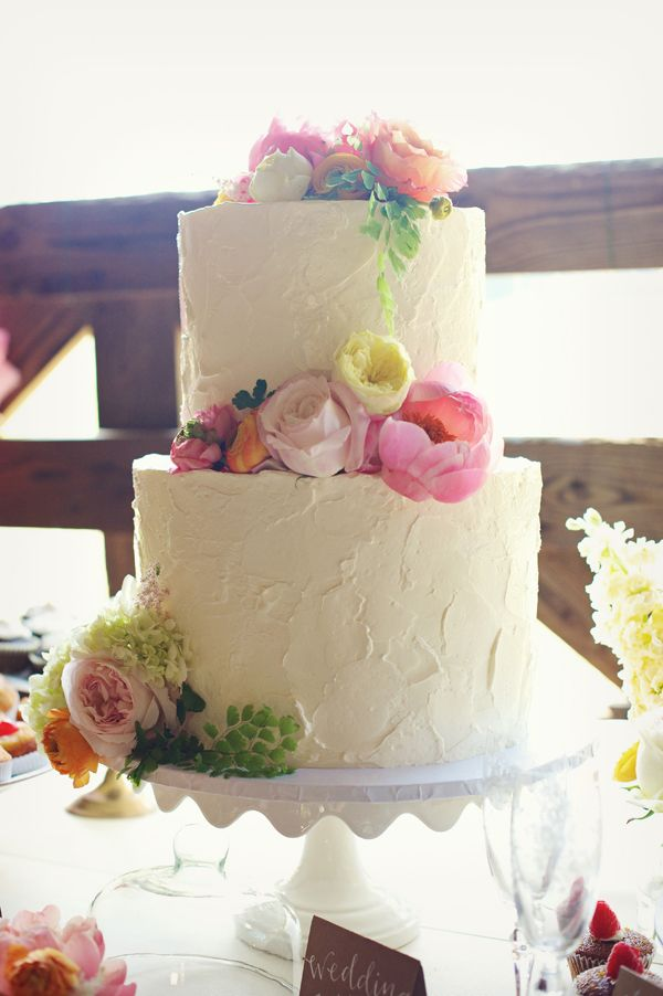 Buttercream wedding cake ideas Frosting callmecupcake via flickr buttercream wedding cakes buttercream wedding cakes  images buttercream wedding cake frosting buttercream wedding