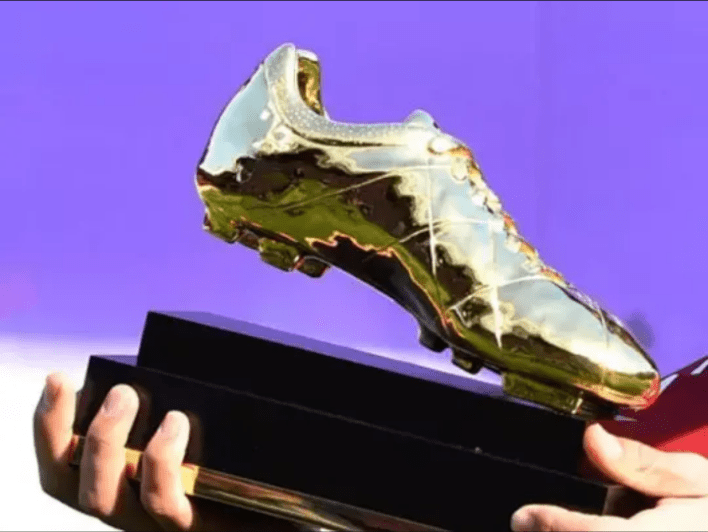 The only forward to win the Premier League Golden Boot without scoring a single penalty