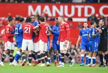 """""""There's trouble brewing there"""" – Man United star was spotted fuming with Solskjaer during Everton game"""