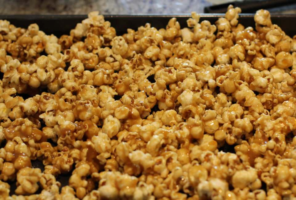 toffee-popcorn-recipe-home-cinema-1
