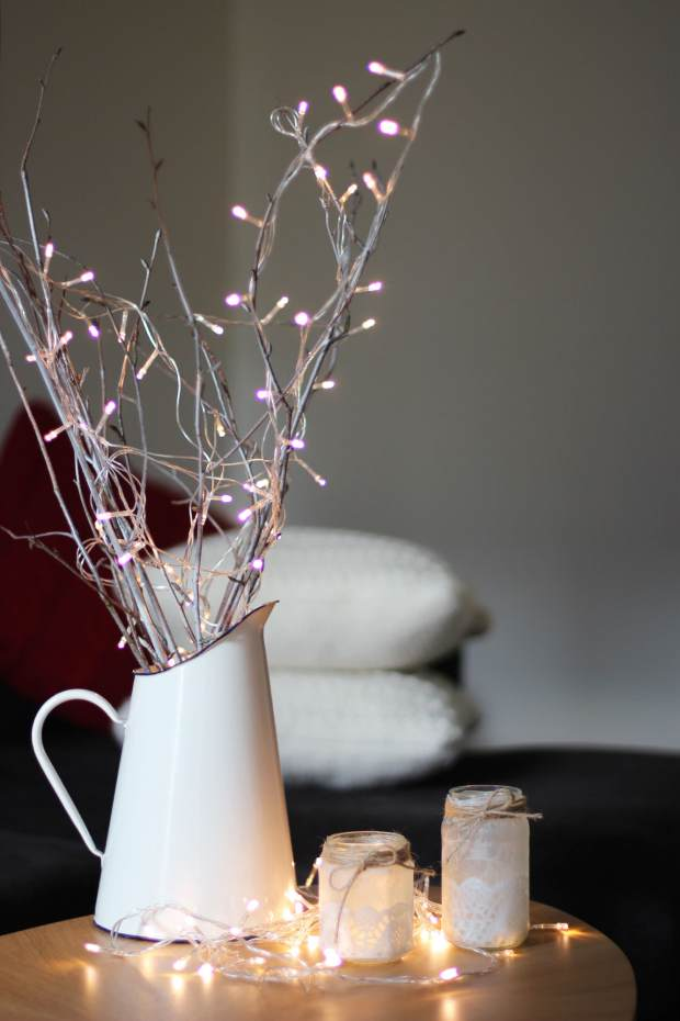 sprayed-branches-cheap-home-christmas-decoration-2