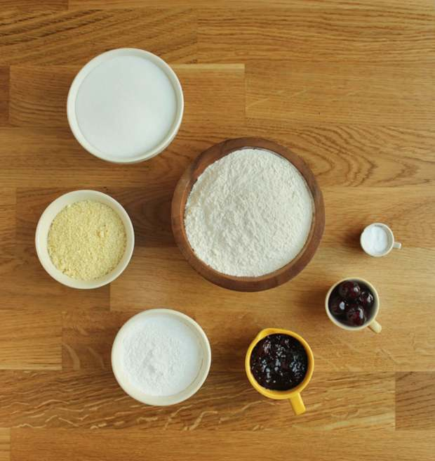 cherry-bakewell-tart-cupcake-recipe-1