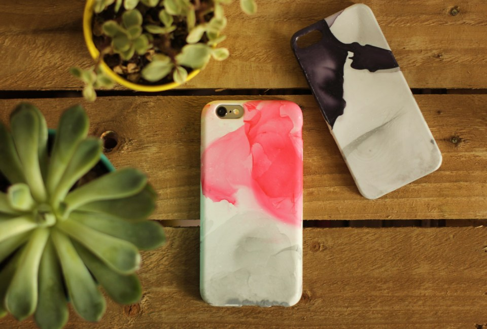 nail-varnish-marbled-phone-case-diy-01