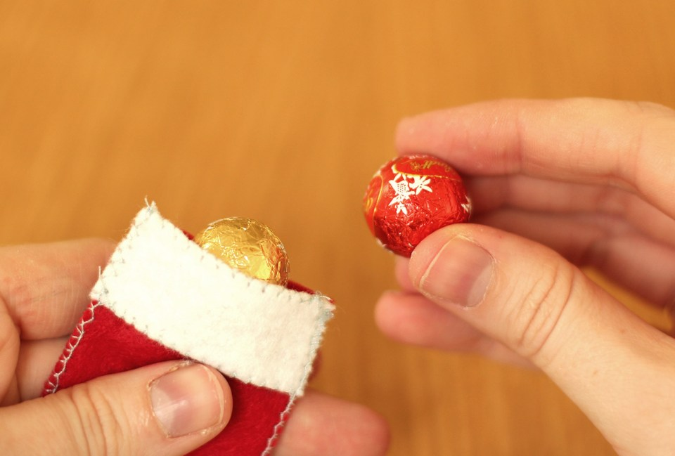 homemade-advent-calendar-mini-stockings-15