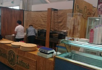 placinta-intinsa-turnu-stand-1