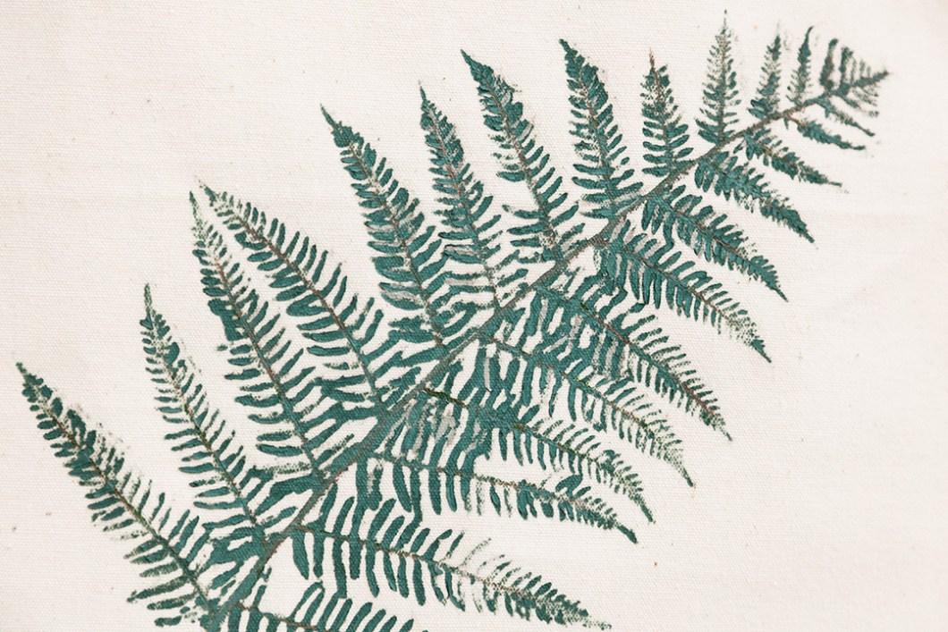 DIY Estampar con hojas naturales · DIY Natural leaves pattern · Fábrica de Imaginación · Tutorial in Spanish