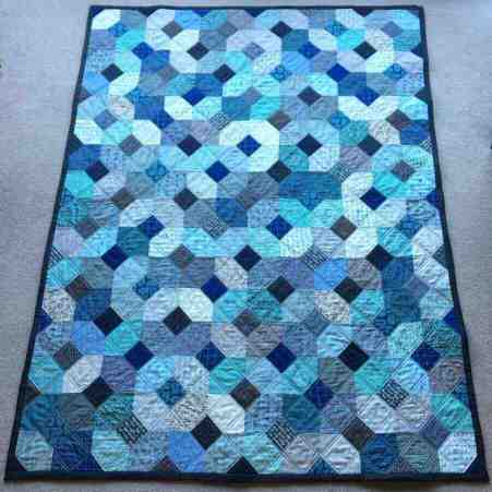 "Wedding quilt: 8"" hand-pieced Kansas Dugout blocks by fabricandflowers 