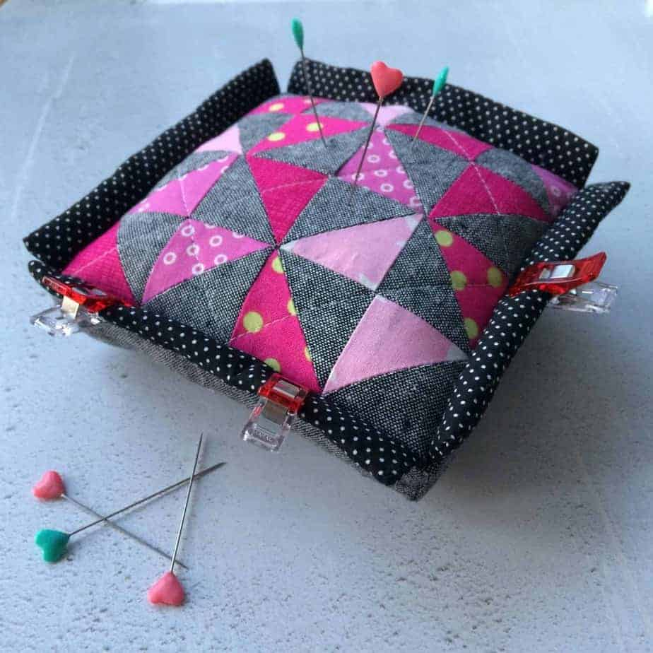 My 5 must have sewing tools - Clip'n'pincushion by fabricandflowers | Sonia Spence