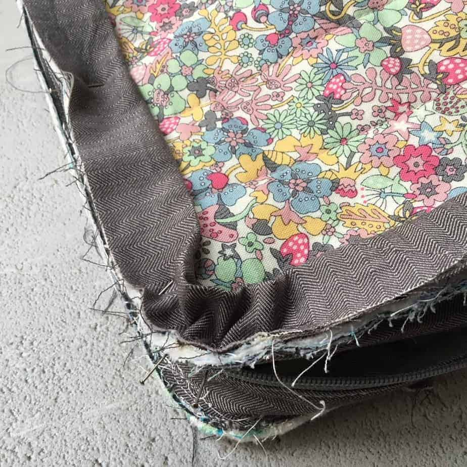 (Not So) Little Zippy Pouch Along, pattern by fabricandflowers | Sonia Spence
