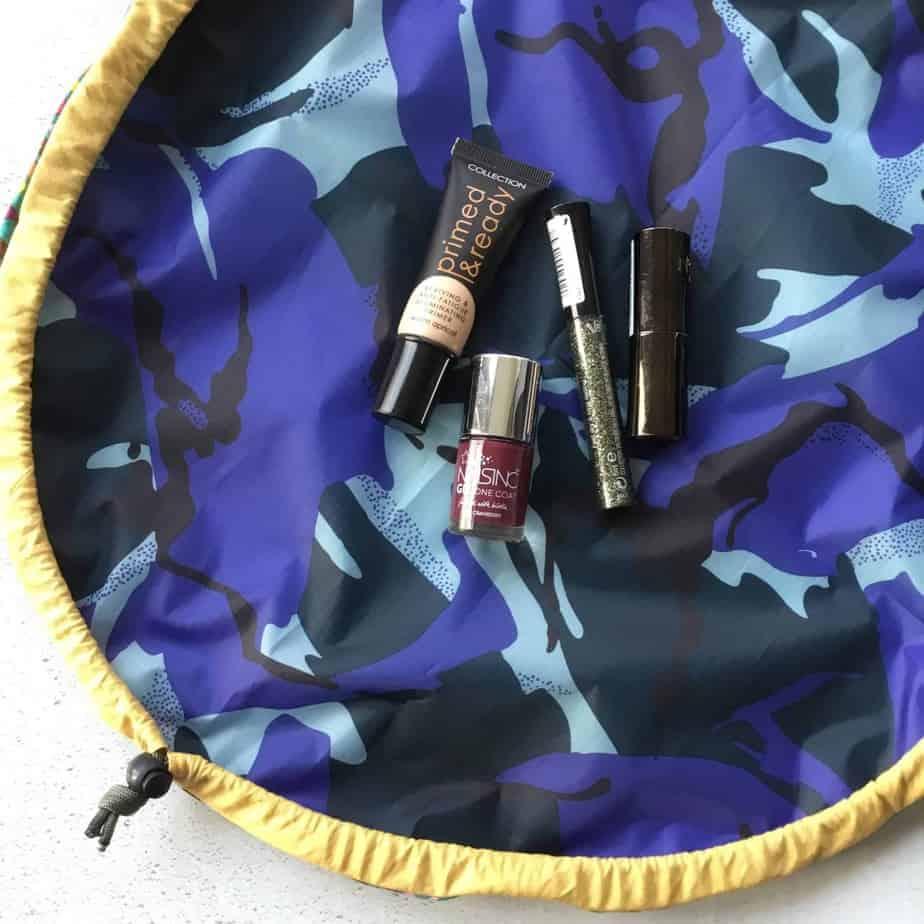 The StashnGo drawstring bag tutorial by fabricandflowers   Sonia Spence