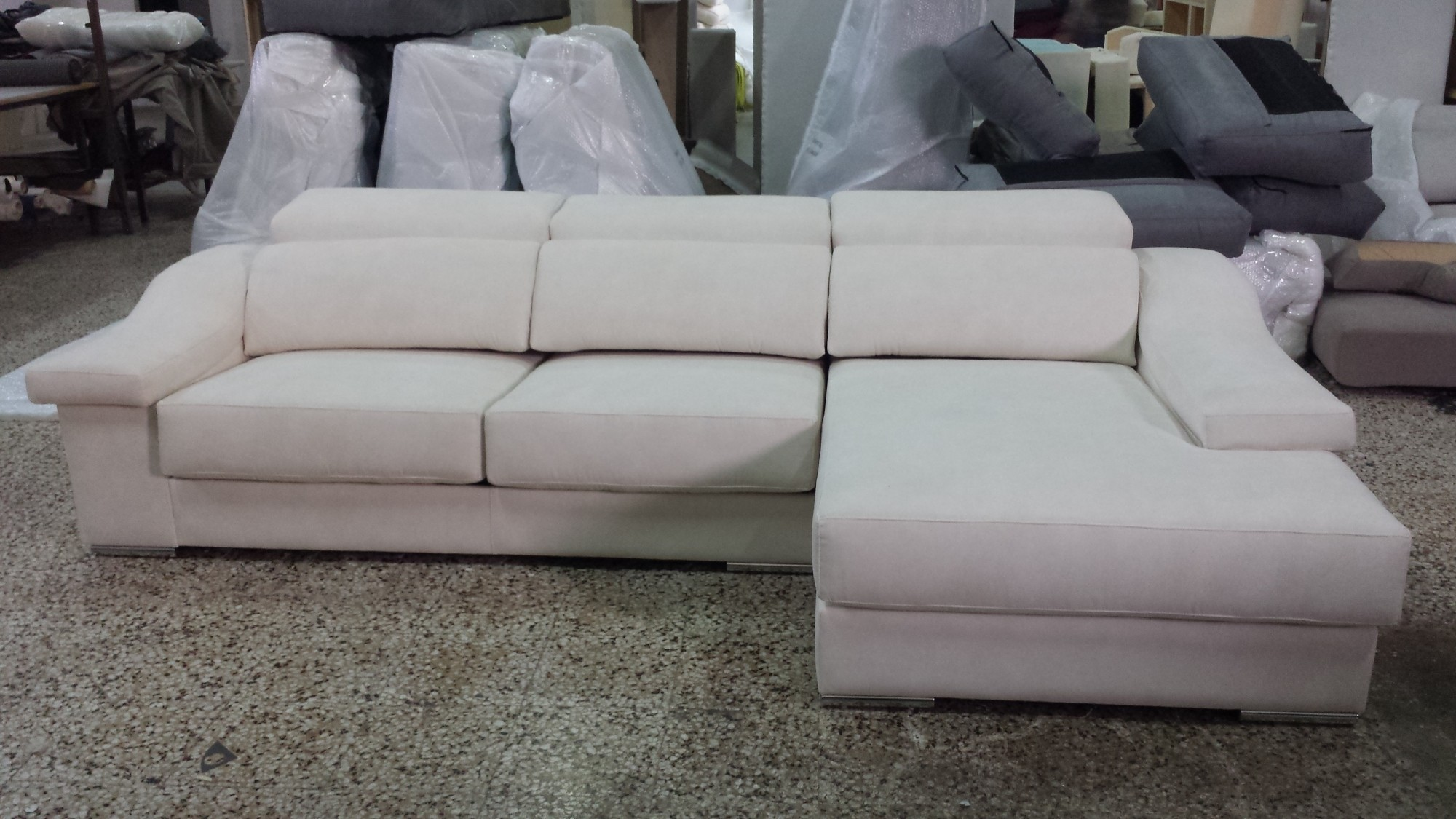 Tiendas de sofas en liquidacion barcelona for Sofas baratos barcelona