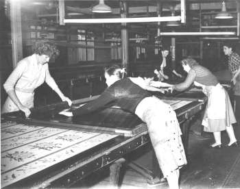 Flat bed screen printing in the 1950s
