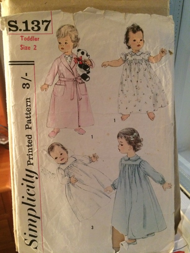 Vintage pattern Simplicity S.137 Toddlers' Nightgown and Robe