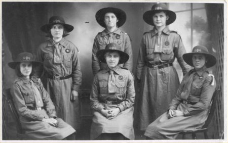 six girl guides in 1923