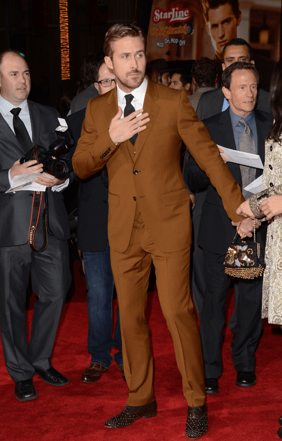 Ryan Gosling in brown Gucci suit