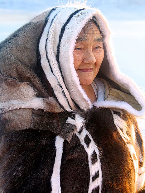 Old Inuit woman in fur