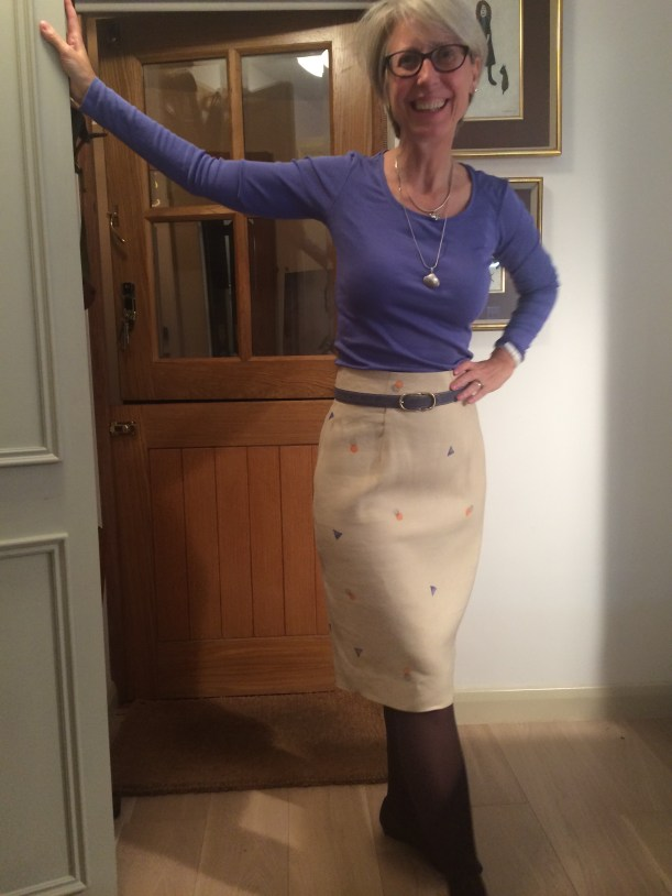 Curvy Pencil skirt with grown on waistband
