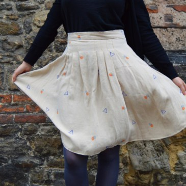 Developing the curvy pencil skirt with a grown on waist band