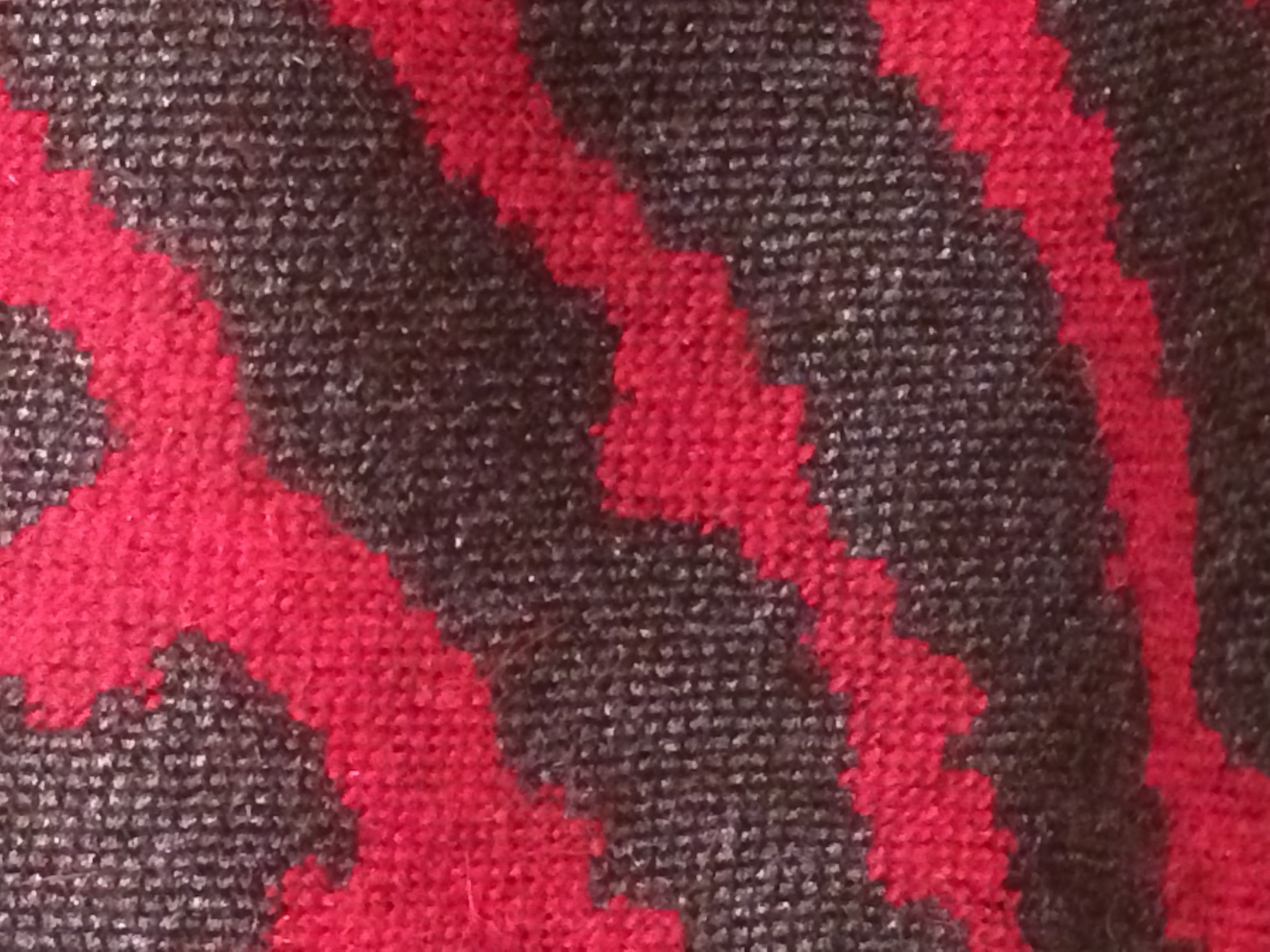 Charcoal and Magenta wool