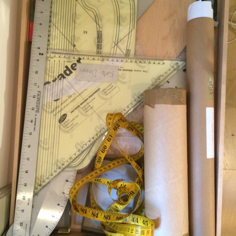 pattern cutting tray