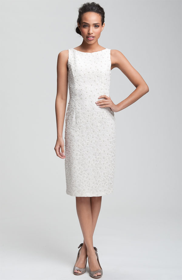 The sheath dress – what it is and how to fit it