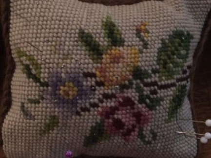 Tapestry pin cushion