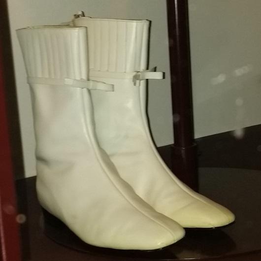 Courrages Boots 1965