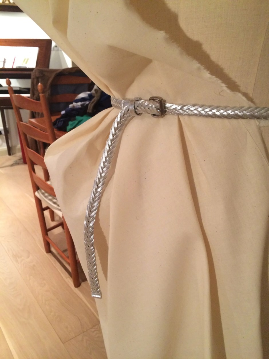 Draping a pegged skirt 4.