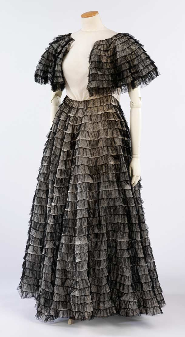 Vionnet ball gown (V&A)
