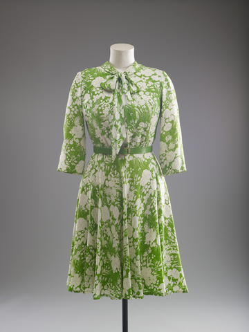 1977 Norman Hatnell day dress