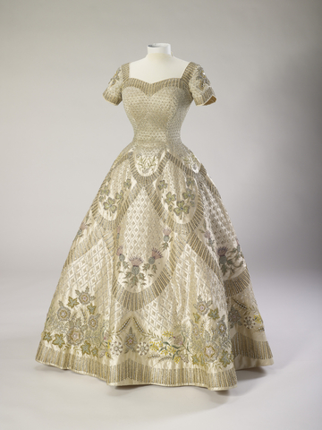 Coronation Dress 1953 Norman Hartnell for QE2