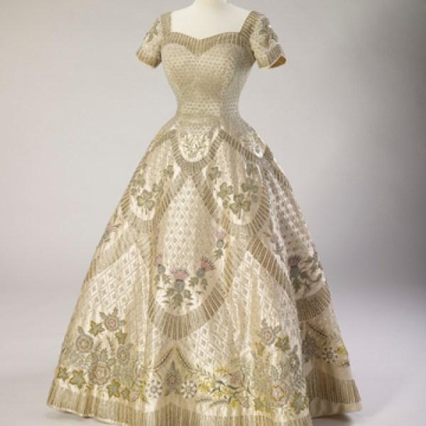 Coronation Dress 1953 Norman Hartnell for QE2