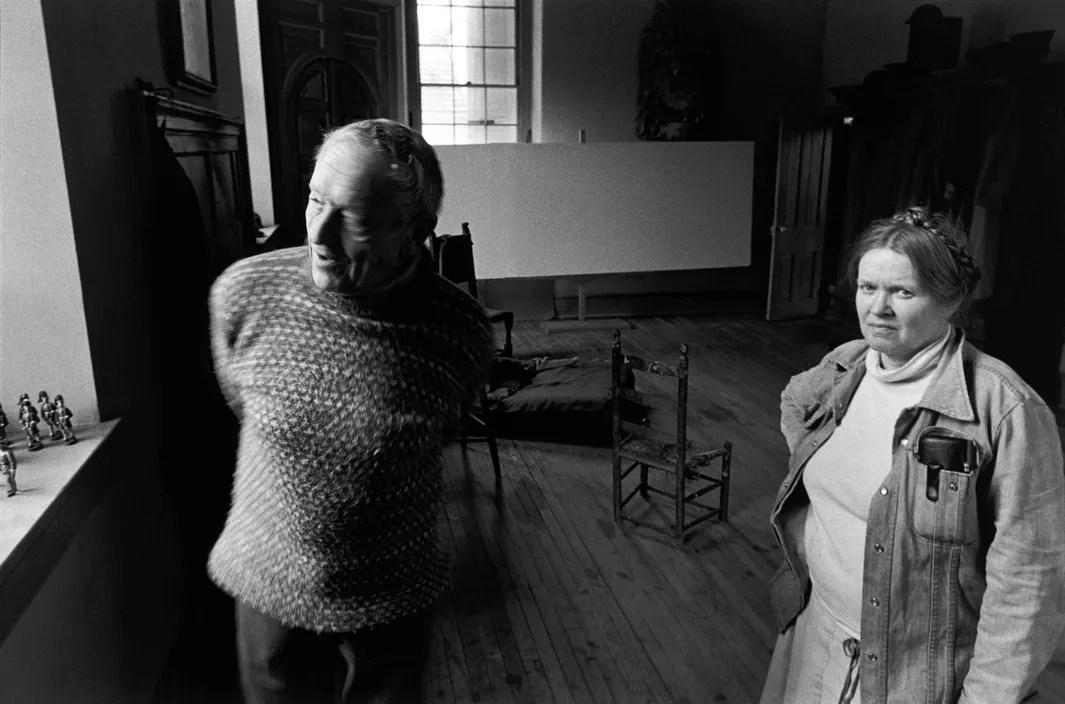 USA. 1991. Painter Andrew WYETH and his model of 15 years, Helga TESTORF. ©David Alan Harvey/Magnum Photos