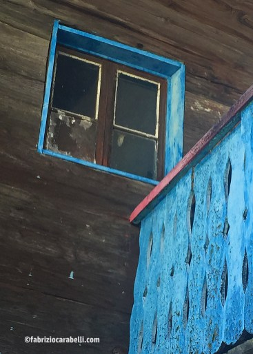 BLUE WINDOWS-FLICKR
