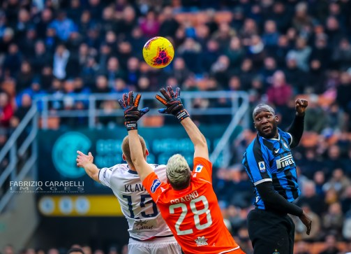 Romelu Lukaku of FC Internazionale and Alessio Cragno of Cagliari Calcio during the Serie A 2019/20 match between FC Internazionale vs Cagliari Calcio at the San Siro Stadium, Milan, Italy on January 26, 2020 - Photo Fabrizio Carabelli